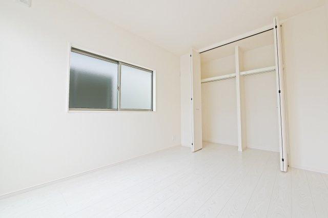 -同社施工例- 各居室2面採光で明るいお部屋です。