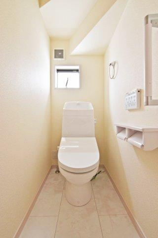 -同社施工例- 広々一坪タイプのバスルーム。 足を伸ばしてゆったりと寛げそうです。