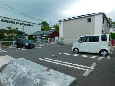【駐車場】ロジュマンC