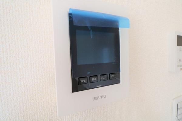 【設備】 TVモニター付きインターホンもあります♪