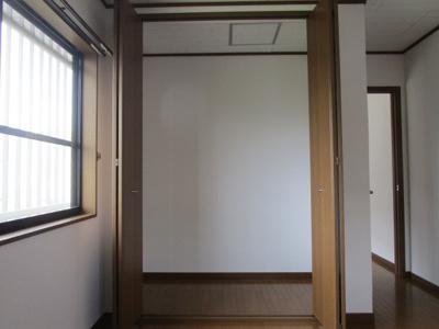【洋室】泉3丁目戸建