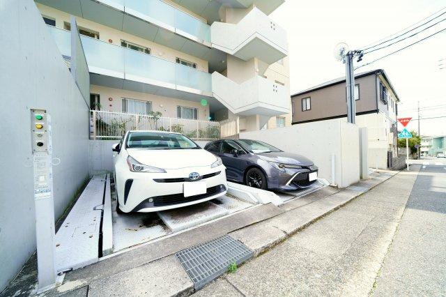 専用使用権付の駐車場です。