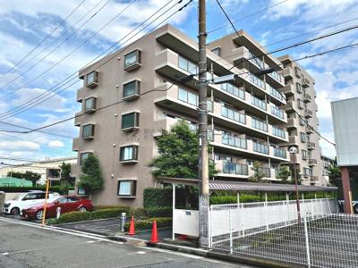 新狭山駅徒歩3分の好アクセス、近隣に商業施設が充実した暮らしやすいマンションです。