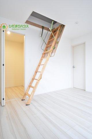 屋根裏につながる階段☆彡