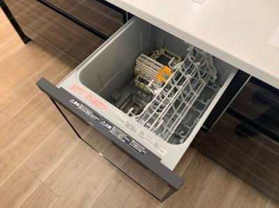 食器洗浄機付きのシステムキッチンです。