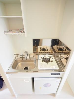 キッチンにはミニ冷蔵庫付き♪同一仕様写真