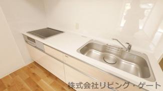 新品のシステムキッチン・IHクッキングヒーターでラクラク調理