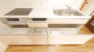 収納豊富な便利なキッチン