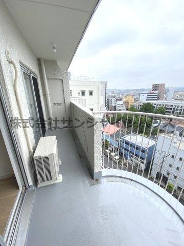 バルコニーからの景色です。最上階なので眺めが良いです。