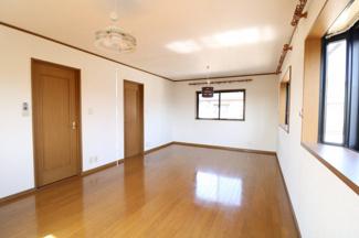 ドアが2つ付いているので部屋を2つに分けることも可能。自由にカスタマイズできます。