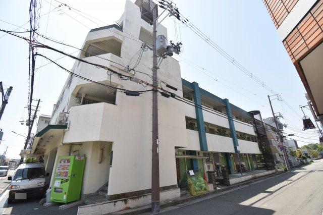 尼崎市昭和通2丁目にございます。