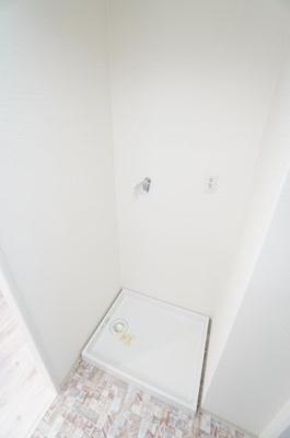 【洗濯機サイズの確認】 装着が楽なワンタッチ式の給水栓! ドラム式の洗濯機も入るサイズですが、 お手持ちのサイズが入るか要確認です!