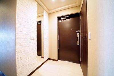 姿見付の玄関です。