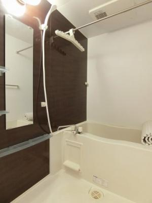 浴室暖房乾燥機付きのバスルームです!雨の日のお洗濯にも浴室暖房乾燥機があるので安心♪お風呂に浸かって一日の疲れもすっきりリフレッシュ♪※参考写真※