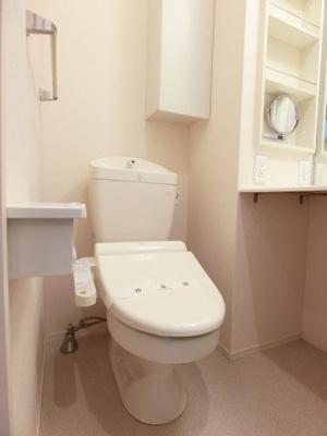 人気のシャワートイレ・バストイレ別です♪トイレが独立していると使いやすいですよね☆ ※参考写真※
