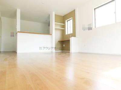 【居間・リビング】飯能市大字双柳・全3棟 新築一戸建 2号棟