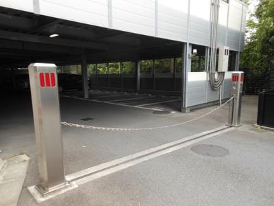 駐車出入口
