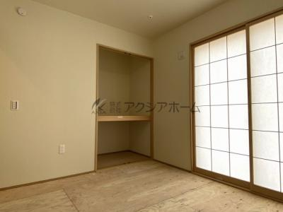 和室からリビングを向いた写真です