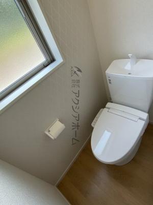 温水洗浄機能付トイレは1F・2Fに設置しております。