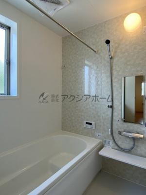 広々1坪タイプの浴室です。疲れをゆっくり癒してください。