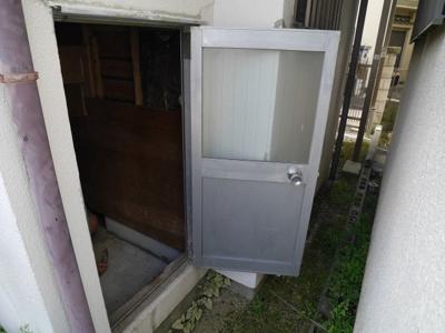 屋外からの物置スペース