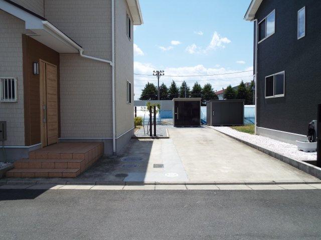 広々3台駐車可能