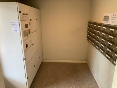 便利な宅配ボックスもあります。