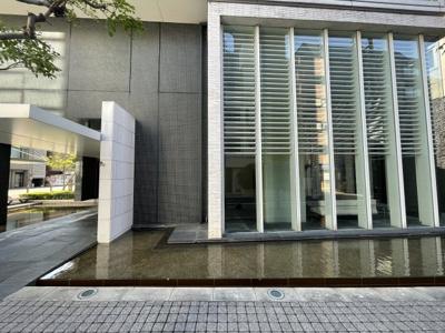 【エントランス】ロジュマンタワー大阪天満橋