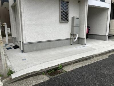 【外観】方駐車場