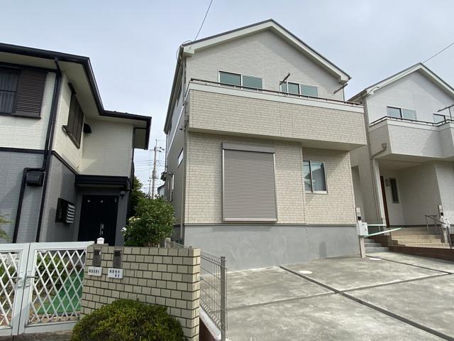 同社施工例です。新京成線「高根木戸」駅徒歩7分の全2棟の新築一戸建てです。