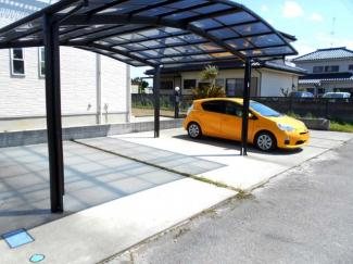 ・新古河駅徒歩12分・100坪・庭付き・駐車場4台並列・南西向き・4SLDKとルーフバルコニー・