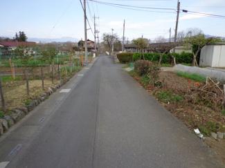 南側前面道路含む現地写真です
