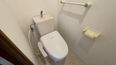 温水機能付きトイレ