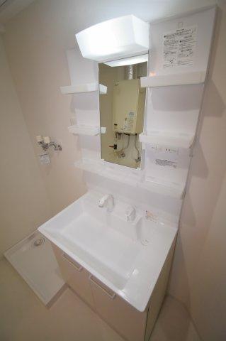 新品の独立洗面台です。