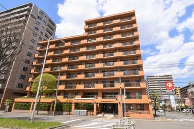 鉄骨鉄器コンクリート造10階建のマンションです。