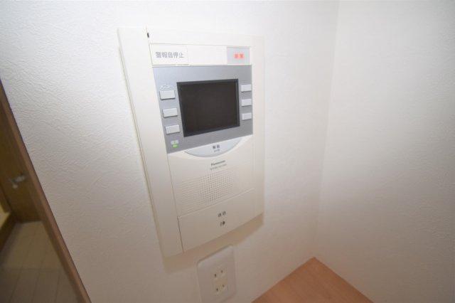 TVモニター付きインターフォンで防犯対策もバッチリです。