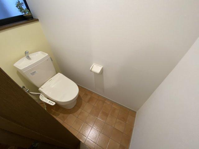 ■新調したシャワー付きトイレです