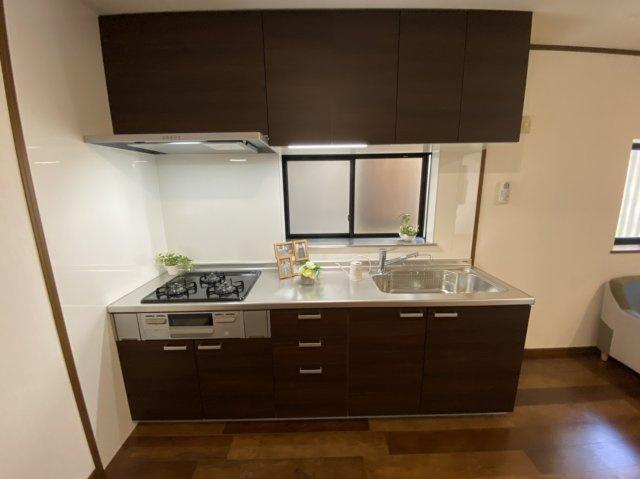■嬉しいシステムキッチンで料理の腕前を高めて下さい