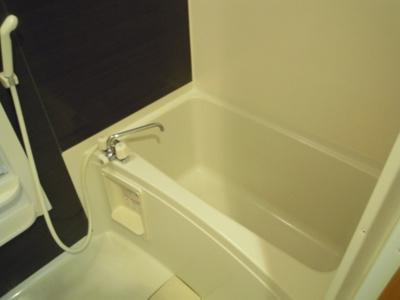 浴室乾燥機付きのお風呂。