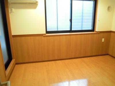 【洋室】モンシャトー中野・新井館
