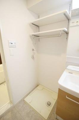 ★室内洗濯機置き場と収納★
