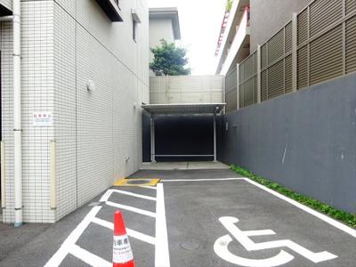 【駐車場】イルフィオーレ都立大学