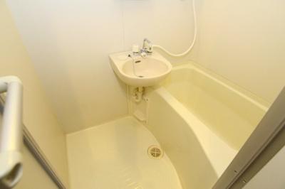 【浴室】ホワイトウェル