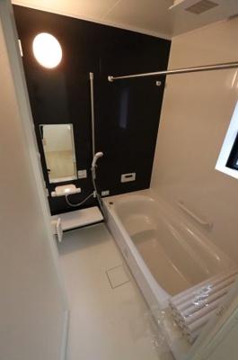 落ち着いた空間のお風呂です 吉川新築ナビで検索