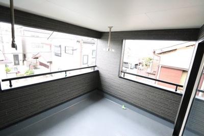 広々としたバルコニーです 吉川新築ナビで検索