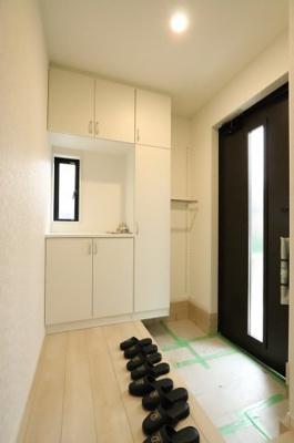玄関です 吉川新築ナビで検索