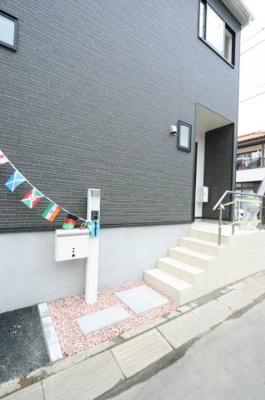 きれいな玄関です 吉川新築ナビで検索