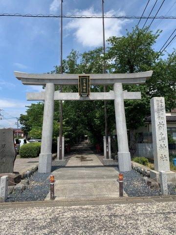 徒歩5分圏内に、前鳥神社があります。