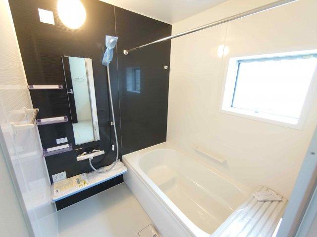 浴室暖房乾燥機付き《 現地写真 》現地見学や詳細は 株式会社レオホーム へお気軽にご連絡下さい。