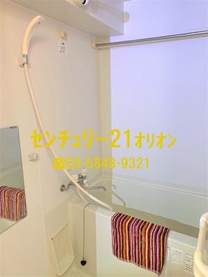 浴室乾燥機等のある便利な浴室です